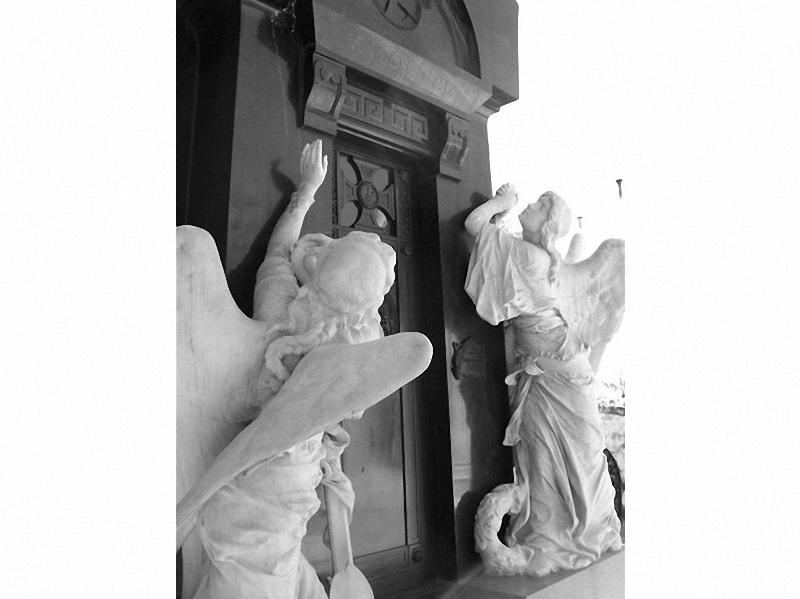 Необычные экскурсии по кладбищам (18)