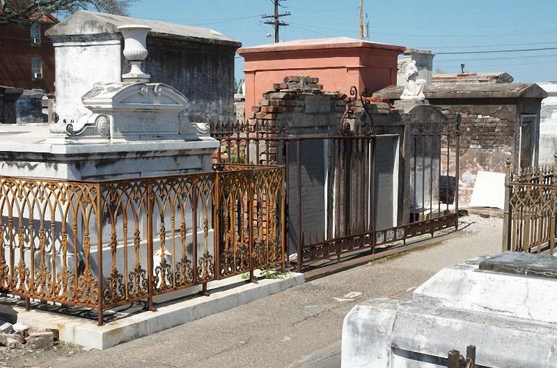 Необычные экскурсии по кладбищам (44)