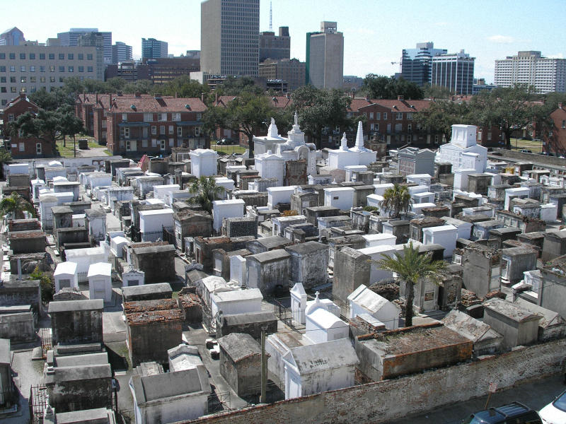 Необычные экскурсии по кладбищам (43)