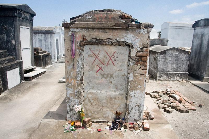 Необычные экскурсии по кладбищам (42)