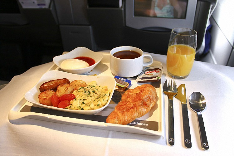 Питание в самолете - обзор авиакомпаний мира (19)
