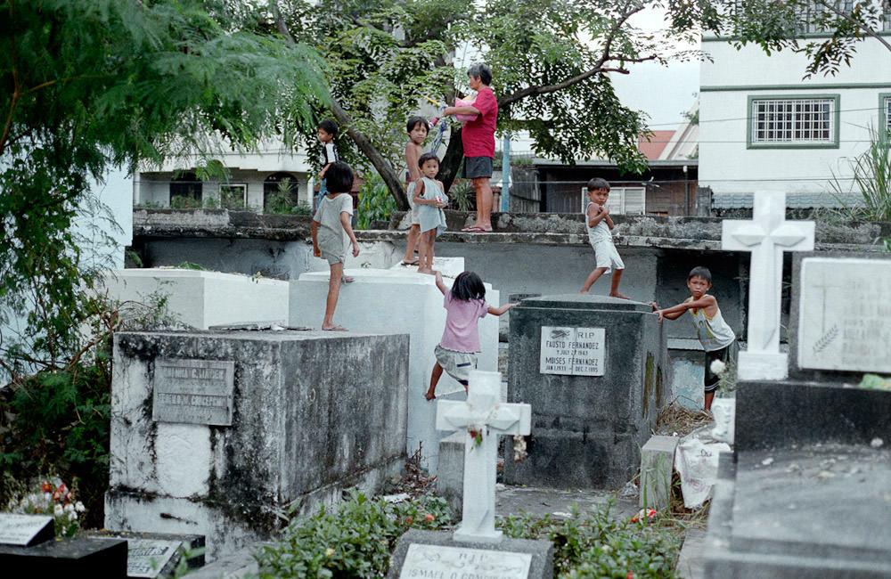 Город-кладбище в Маниле (21)