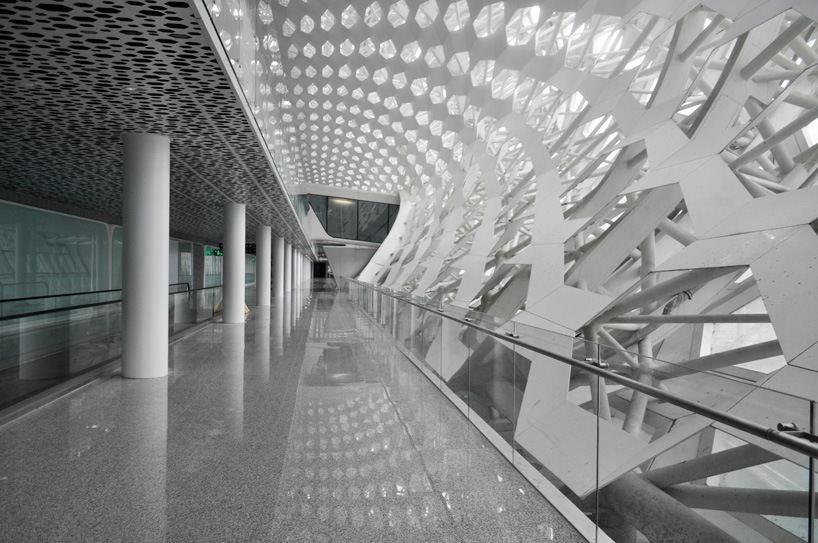 Удивительный терминал международного аэропорта Шэньчжэнь (11)